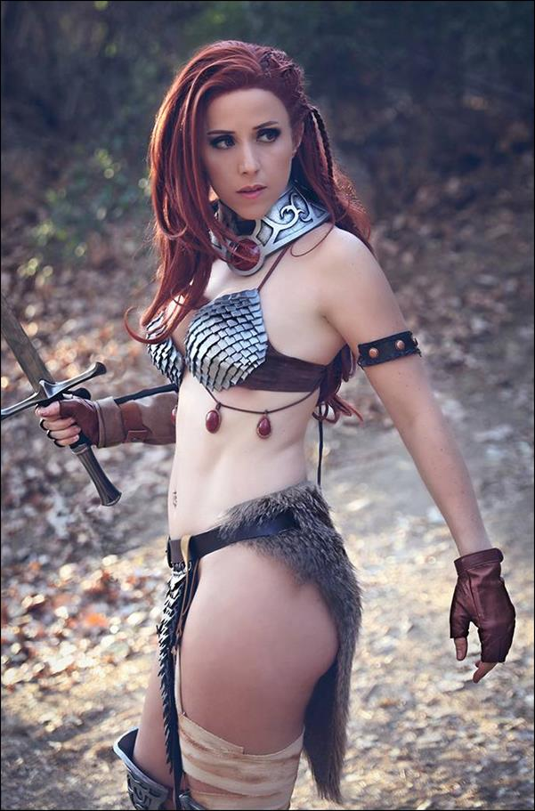 Invincible Red Sonja 4-L by Dynamite Entertainment