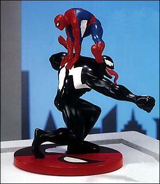 Marvel (Applause) Dioramas Spider-Man vs Venom 4808a9c7-6d9b-49b5-be3e-e6d445b4a554