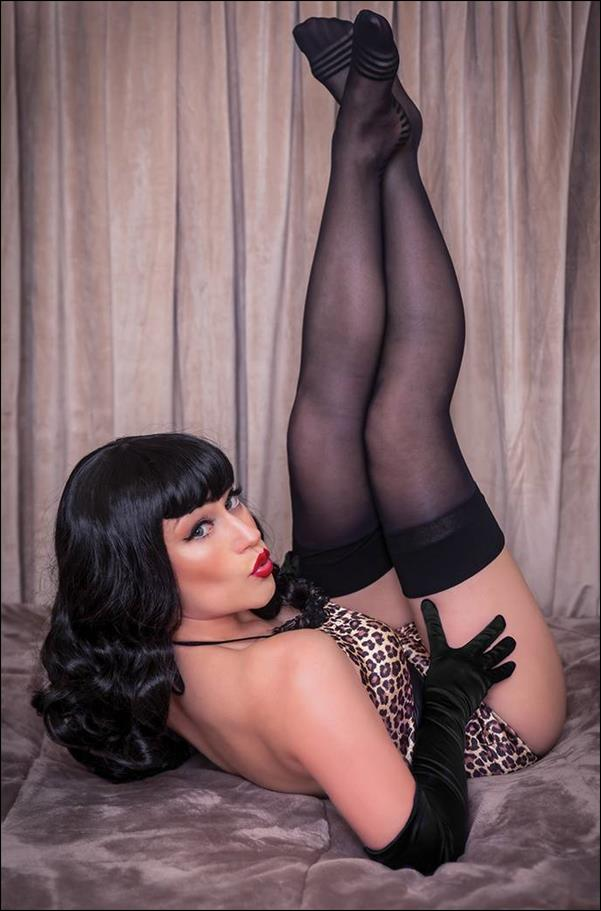 Bettie Page: The Curse of the Banshee 4-I by Dynamite Entertainment